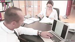 Valentina nappi - Caught in the office